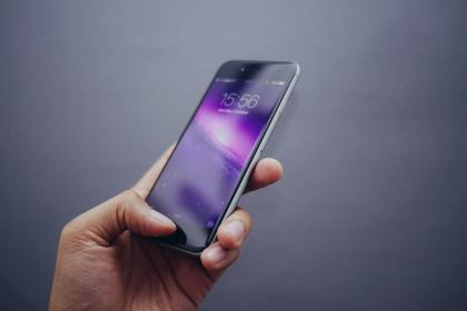 7 τρόποι για να αφαιρέσεις γρατζουνιές και εκδόρες από το κινητό σου!