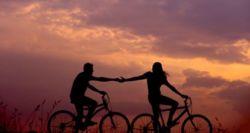 Ερευνα: Τα 20 χαρακτηριστικά που ψάχνουν οι άνδρες στις γυναίκες για την τέλεια σχέση (και αντίστροφα)
